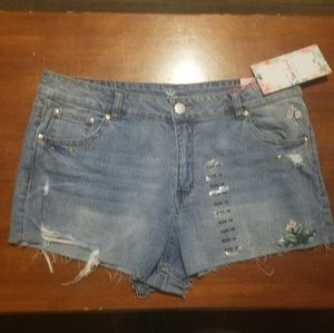 Almost Famous distressed high rise shorts sz 19